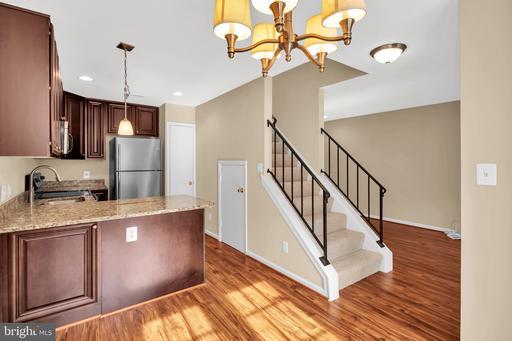 6025 Sunset Ridge Ct Centreville VA 20121