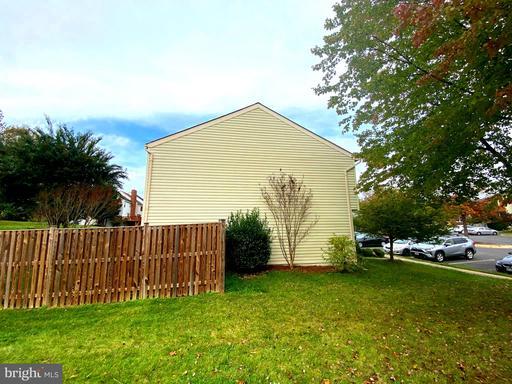 6330 Betsy Ross Ct Centreville VA 20121