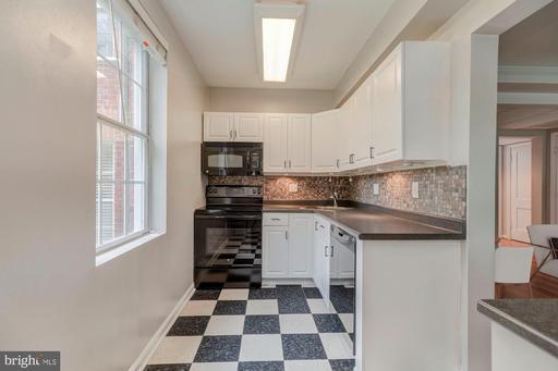 1913 N Rhodes St #17, Arlington, VA 22201