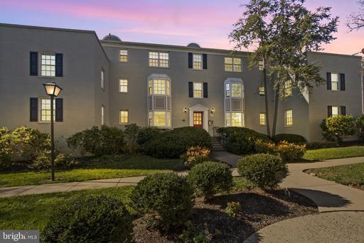 810 S Arlington Mill Dr #8-304, Arlington, VA 22204