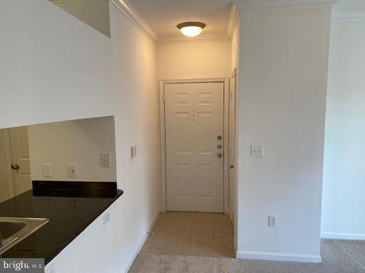 4405 Weatherington Ln #201, Fairfax, VA 22030
