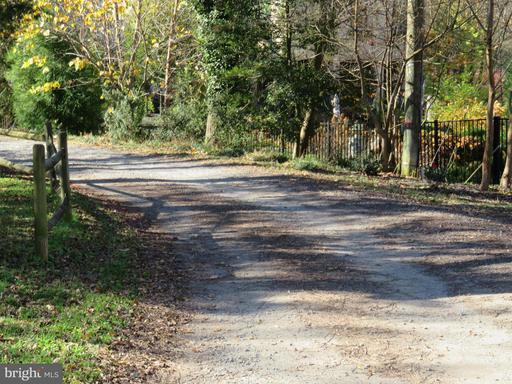 1502 Forest Ln Mclean VA 22101
