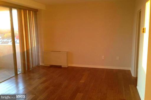 4141 N Henderson Rd #709