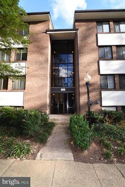 1403 Northgate Sq #31b, Reston, VA 20190