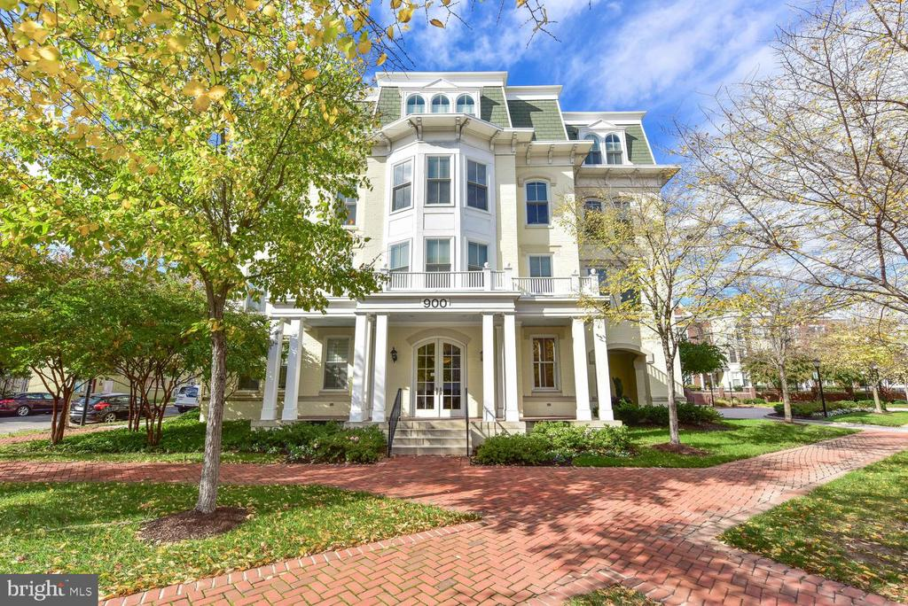 900 N Washington St #103e, Alexandria, VA 22314