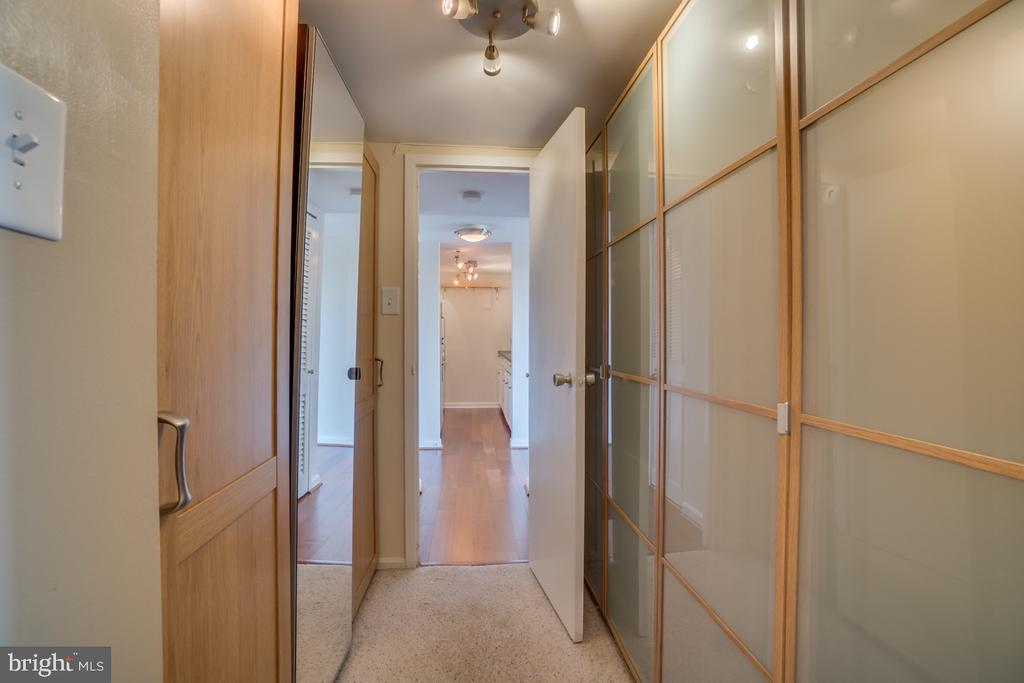 Photo of 1300 Army Navy Dr #721
