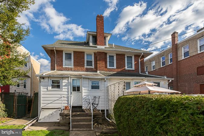 318 Darby Road Havertown , PA 19083