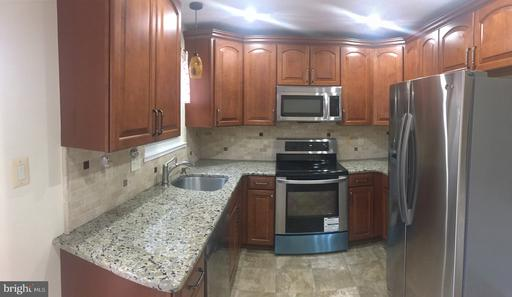 5835 Waterdale Ct Centreville VA 20121