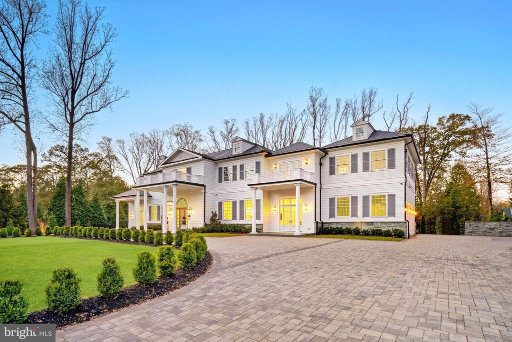 9819 Newhall Rd, Potomac, MD 20854