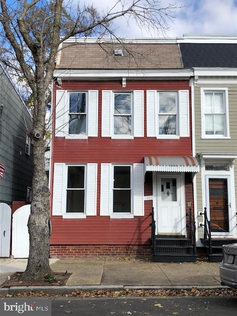 Photo of 1303 Queen St