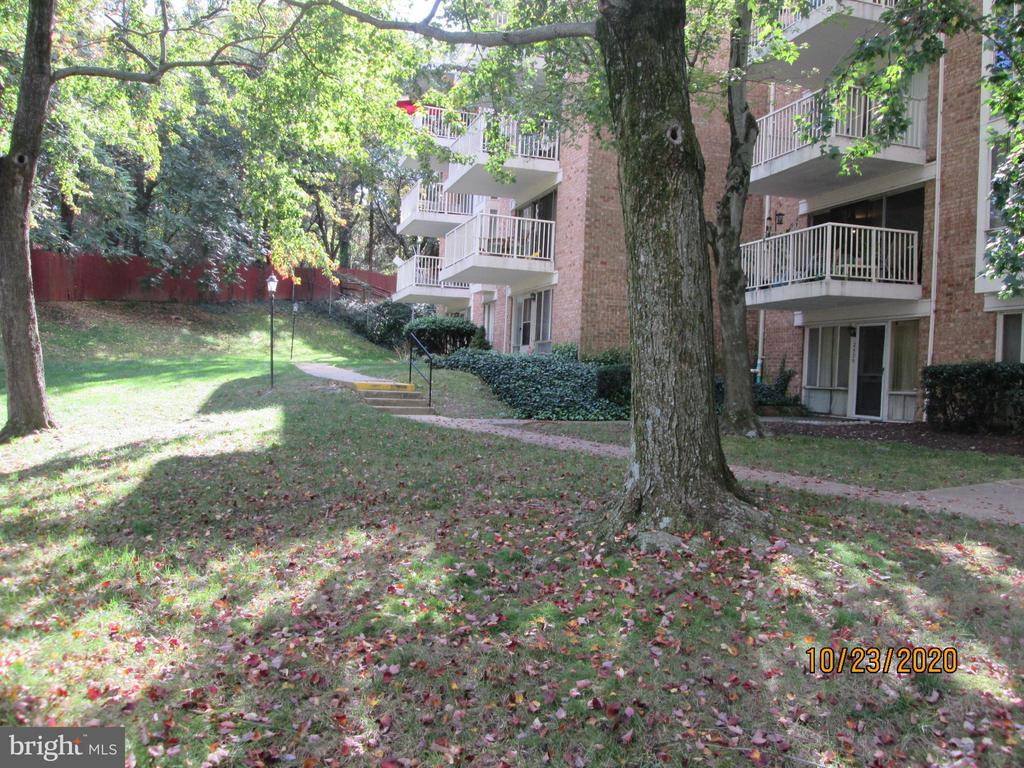 2523 Huntington Ave #25, Alexandria, VA 22303