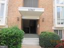 2523 Huntington Ave #25