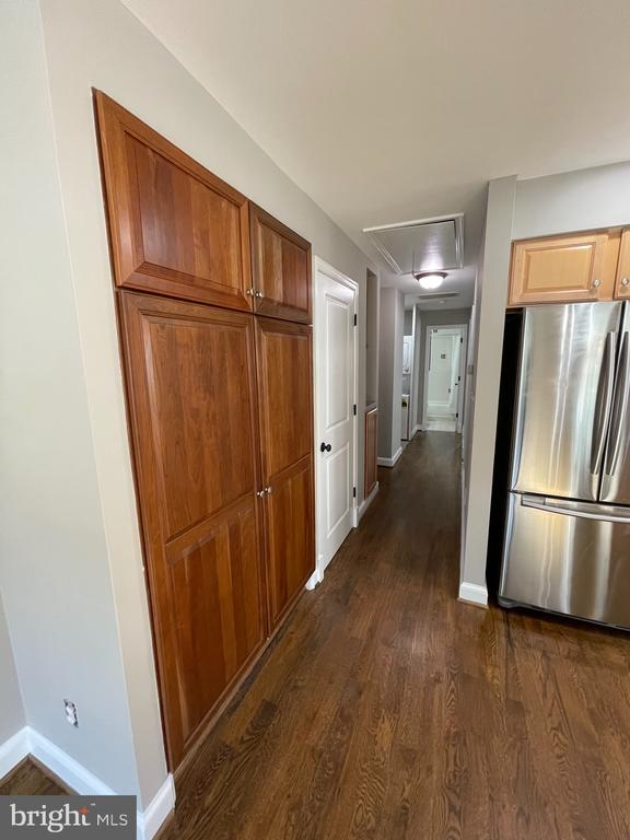 Photo of 110 1/2 E Reed Ave #1/2