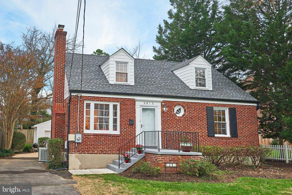 6815 Jefferson Ave, Falls Church, VA 22042