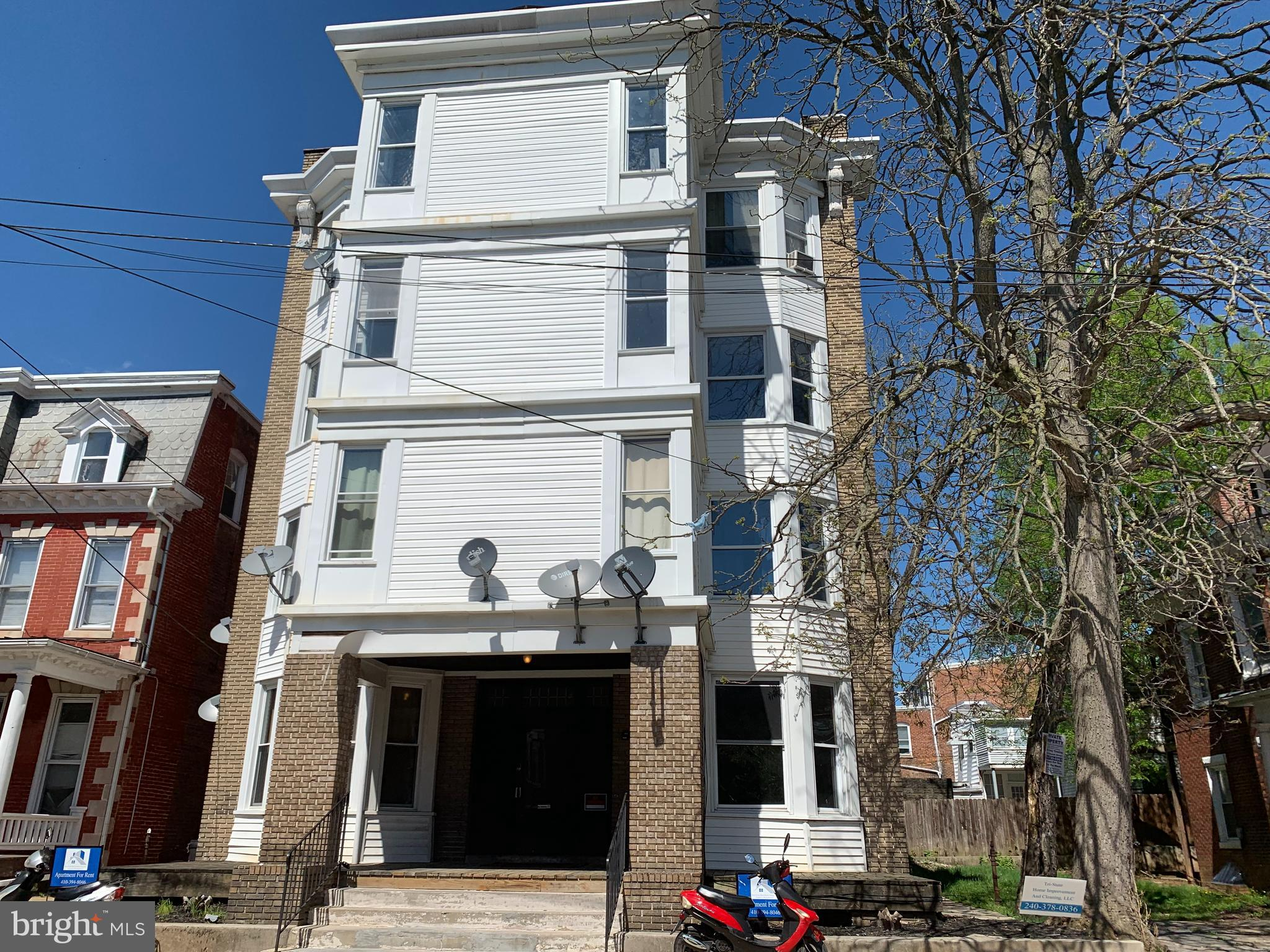 REDUCED PRICE Value-Add Investment Opportunity,  16 One bedroom units, the units are spacious and well designed. great North End location,    Each unit is metered separately for electric and is resident's responsibility. Coin-operated laundry available on main level