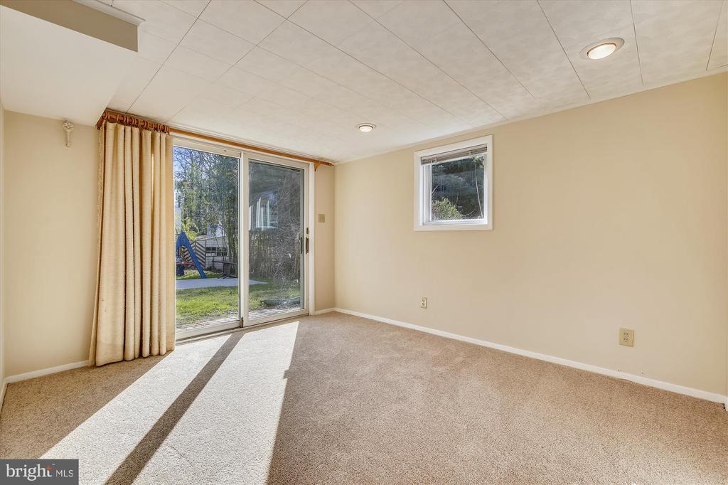 11717 King Tree St, Wheaton, MD 20902