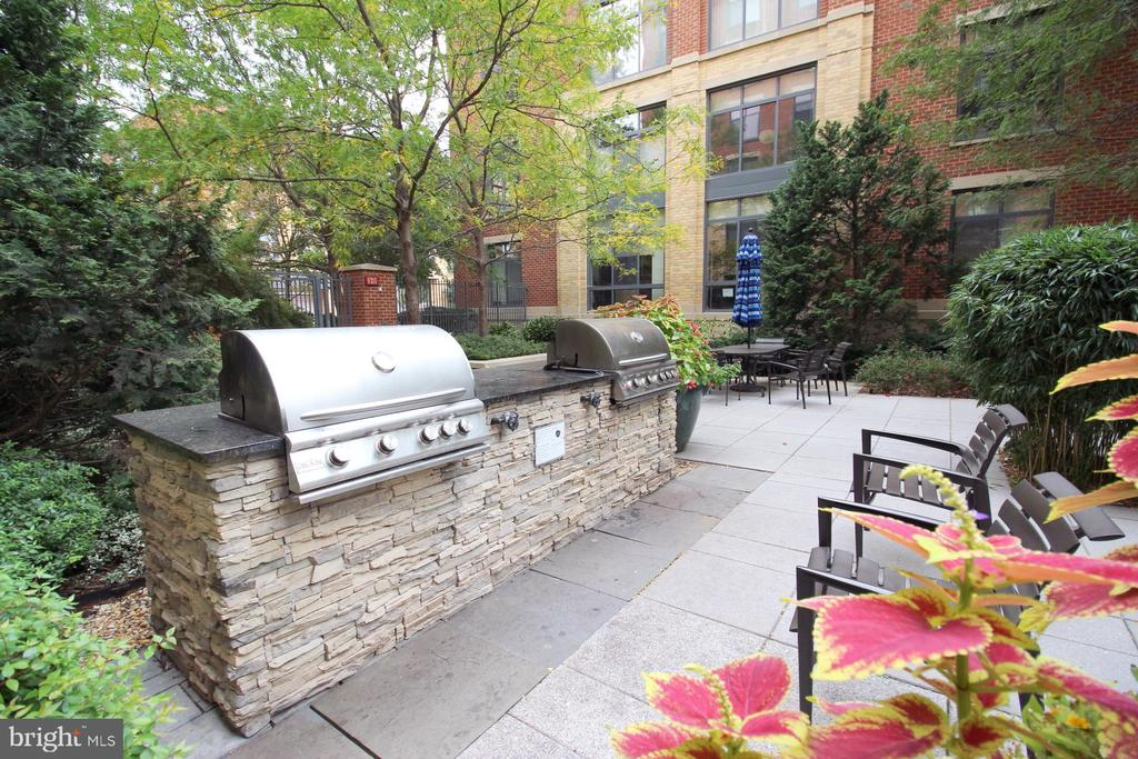 Photo of 520 John Carlyle St #224