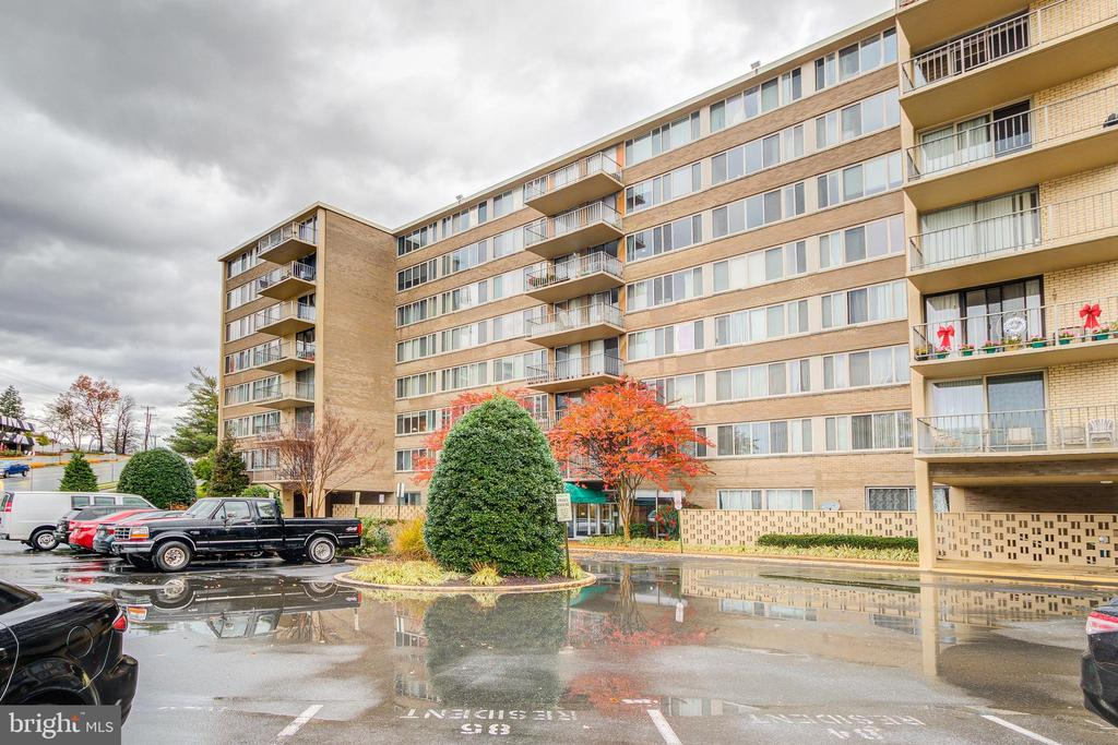 Photo of 5565 Columbia Pike #608