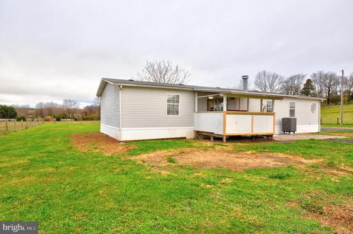 413 Misty Hill Ln Berryville VA 22611