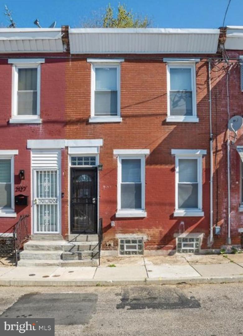 2125 W Seybert Street Philadelphia, PA 19121