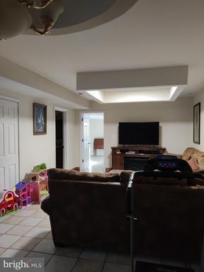 1516 Featherstone Rd Woodbridge VA 22191