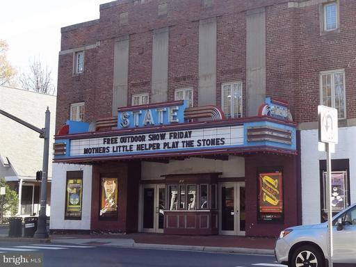 200 N Maple Ave #401, Falls Church 22046