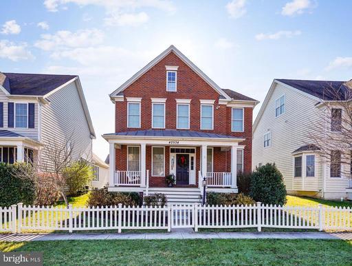 42534 Neighborly Ln Chantilly VA 20152