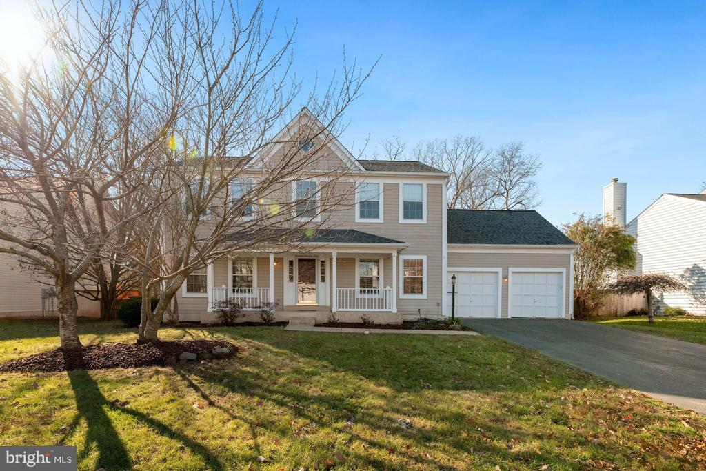 8746 Diamond Hill Dr, Bristow, VA 20136