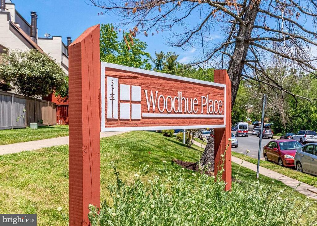 Photo of 3921 Woodhue Pl #5