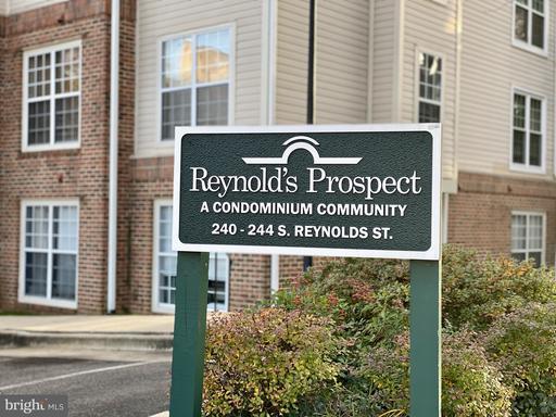 244 S Reynolds St #103, Alexandria 22304
