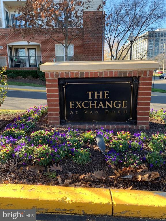 Photo of 4860 Eisenhower Ave #392