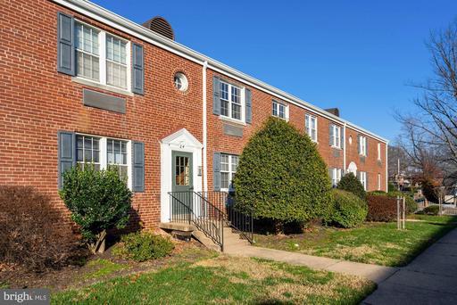 24 Auburn Ct #C, Alexandria 22305