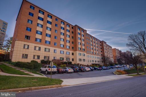 1200 S Arlington Ridge Rd #515, Arlington, VA 22202