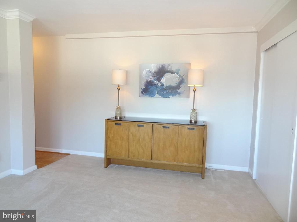 Photo of 200 N Maple Ave #401