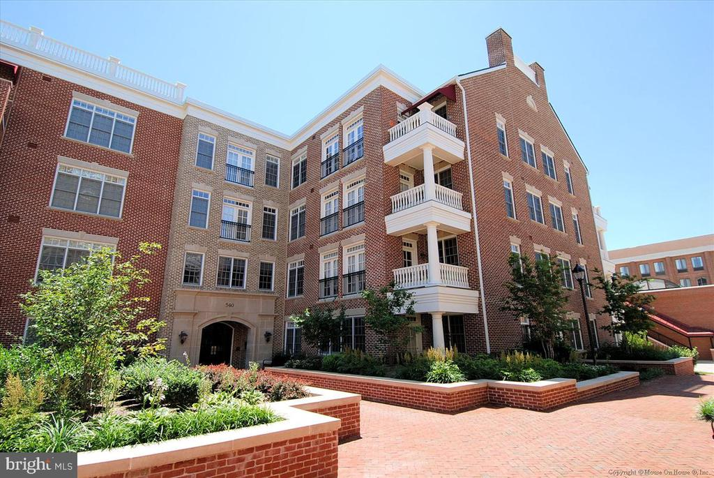 540 Second St #103, Alexandria, VA 22314
