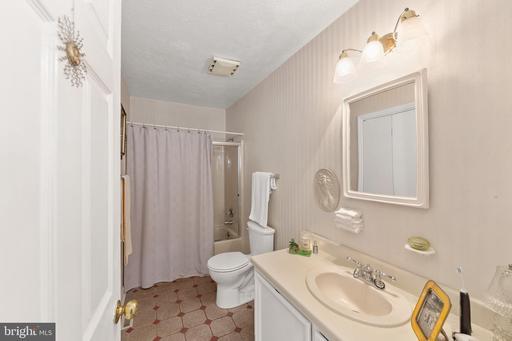 3401 Riverview Dr Colonial Beach VA 22443