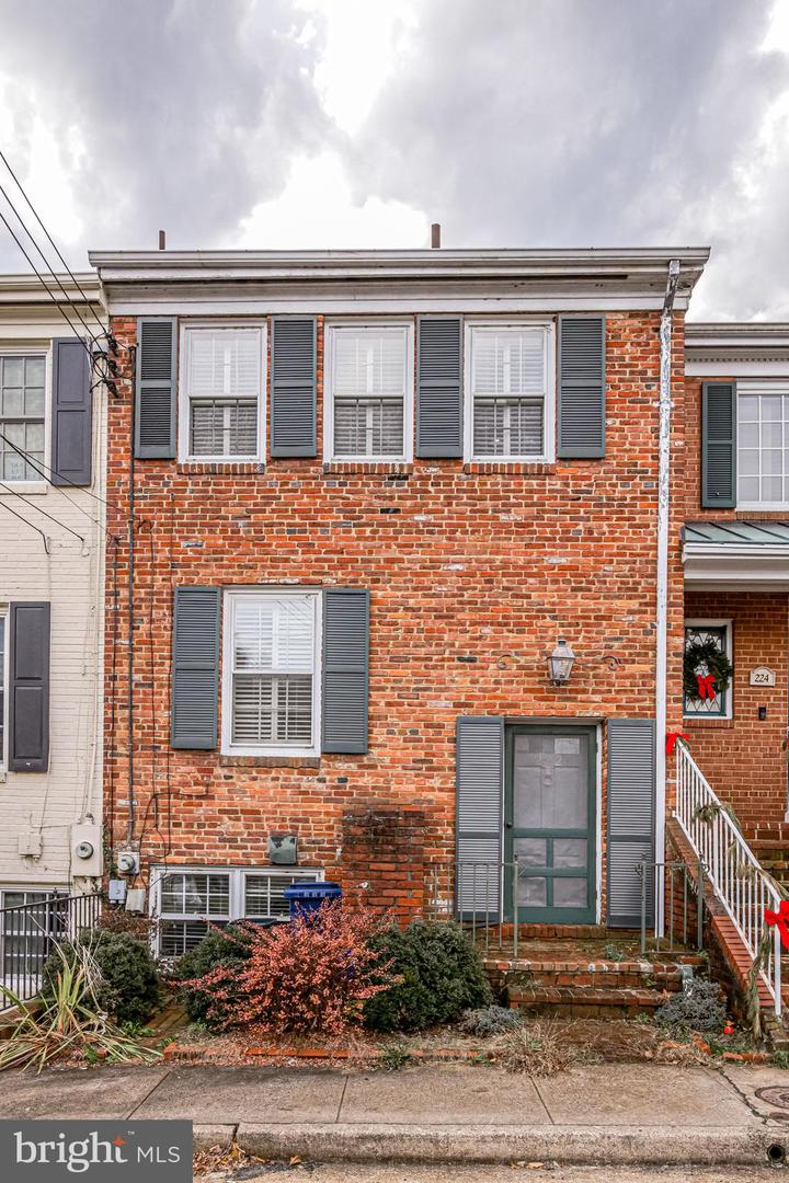 222 Green Street   - Alexandria City, Virginia 22314