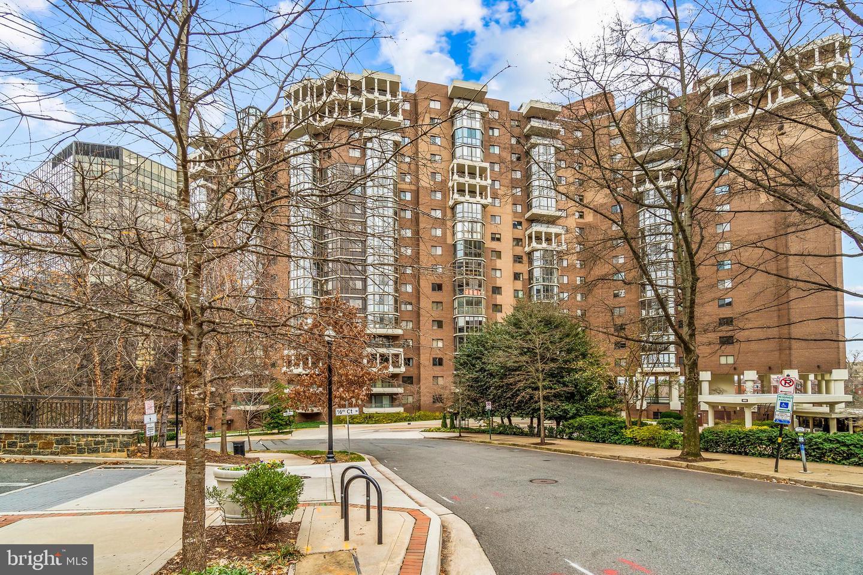 1600 Oak Street  #1505 - Arlington, Virginia 22209