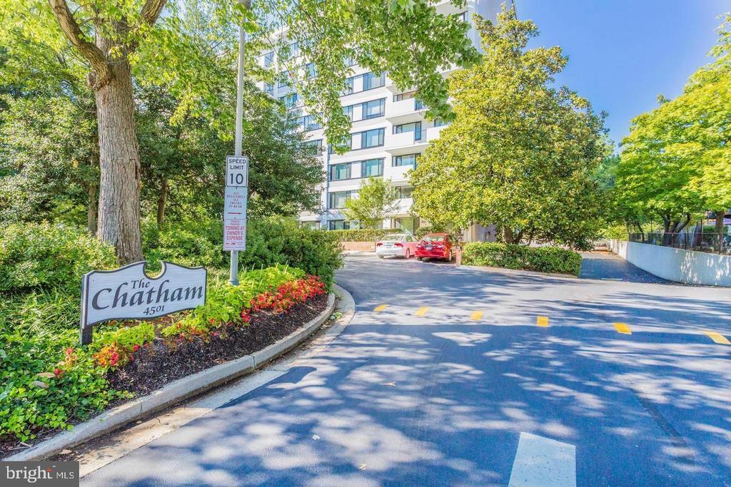 Photo of 4501 Arlington Blvd #107