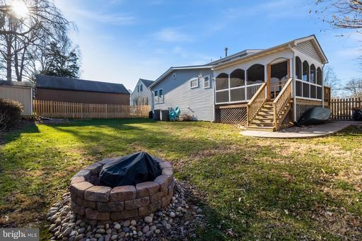 4035 Hallman St Fairfax VA 22030