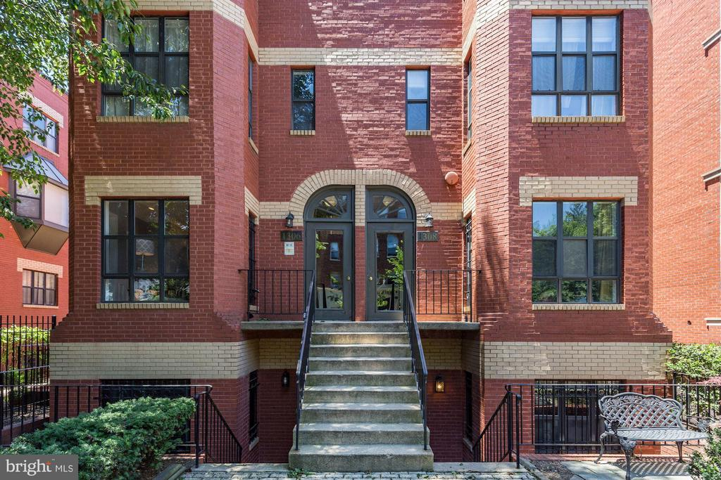 Light filled semi-detached corner 1BR/1BA in the heart of Logan! This charming unit includes an open floor plan, modern kitchen with granite counters and stainless steel appliances, cozy dining area, and spacious living room with Carrara marble paneled WBFP and luminous eastern views. The extra large master bedroom offers 2 large custom closets. The updated bathroom features custom marbled tile from tub to ceiling.  Full sized washer ad dryer in-unit, Off Street Parking, and hardwood floors throughout complete this exceptional home.  Open House Sunday 1/17/2021 from 1-3PM.