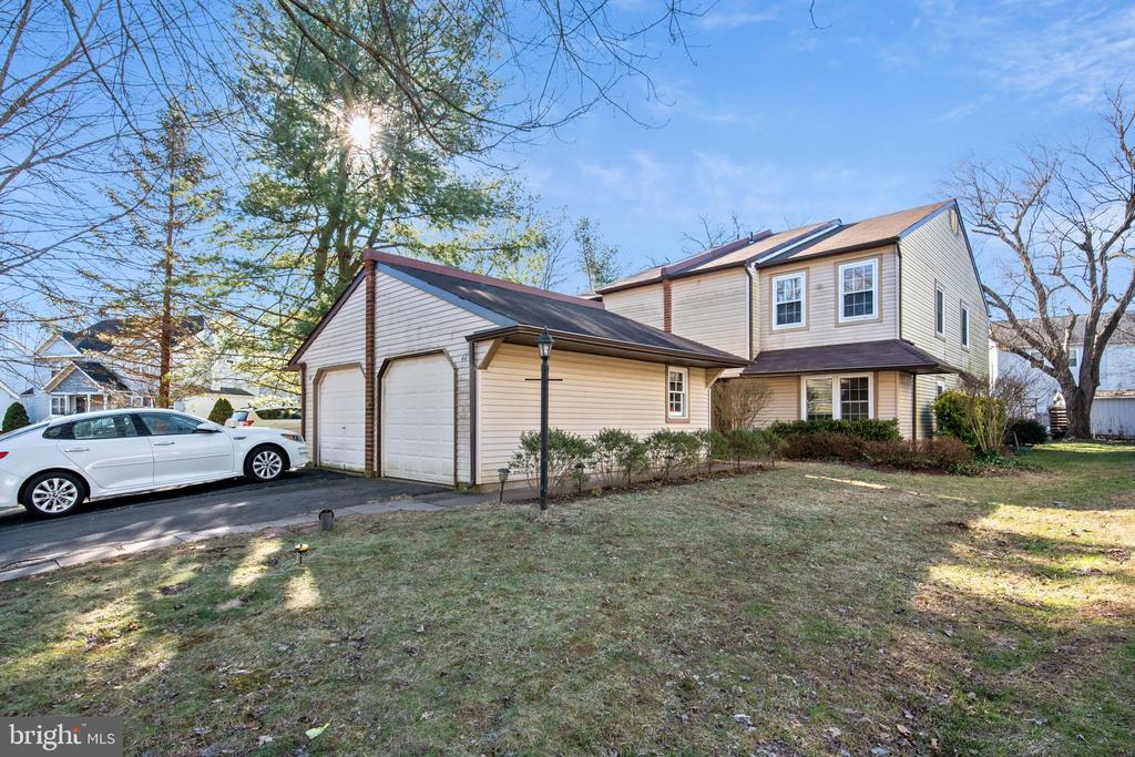 44 STACEY DR, Doylestown PA 18901