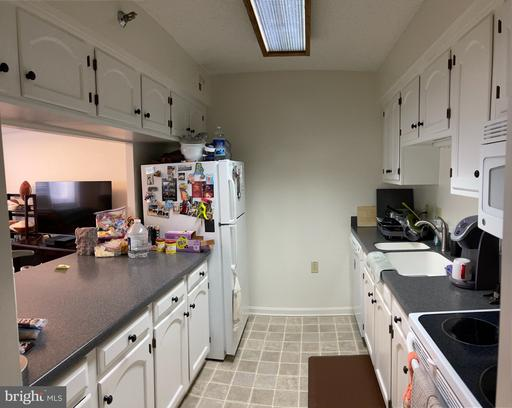 1301 N Courthouse Rd #611