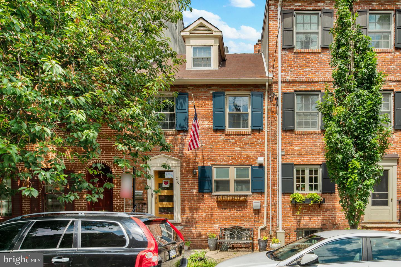 235 Catharine Street Philadelphia , PA 19147