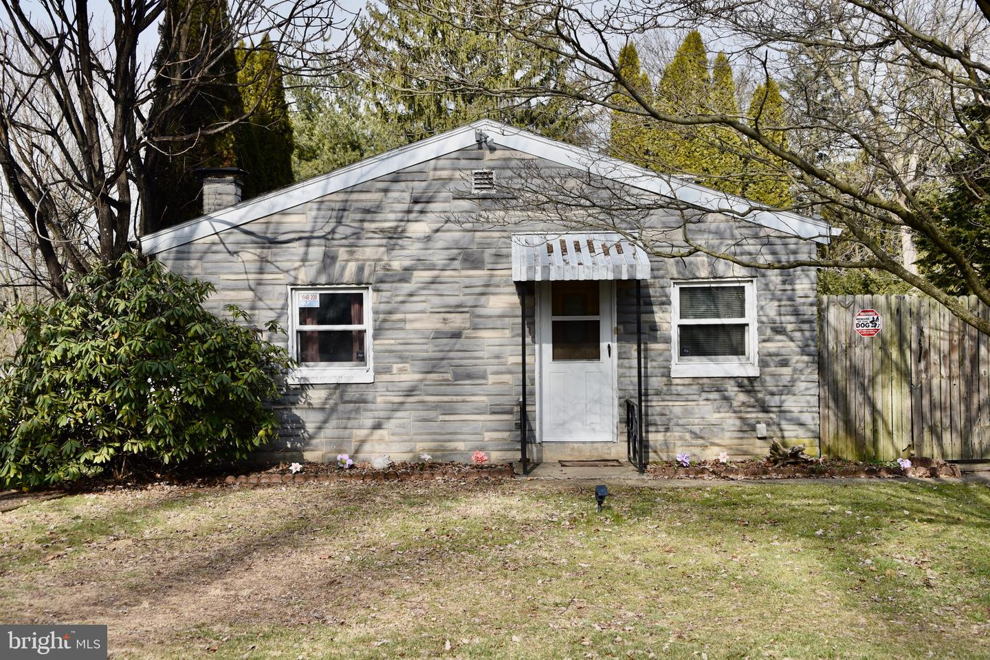 8 Bare Avenue Reading, PA 19607