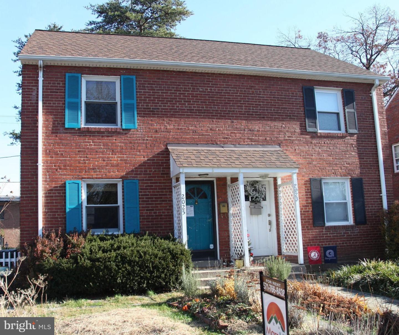 2025 Smythe Street   - Arlington, Virginia 22201
