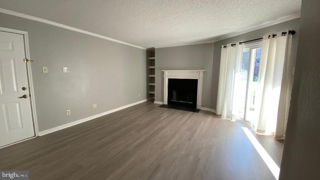 Photo of 1533 Lincoln Way #203