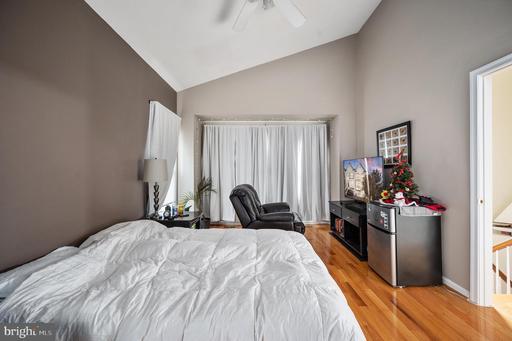 14544 Woodgate Manor Pl Centreville VA 20120