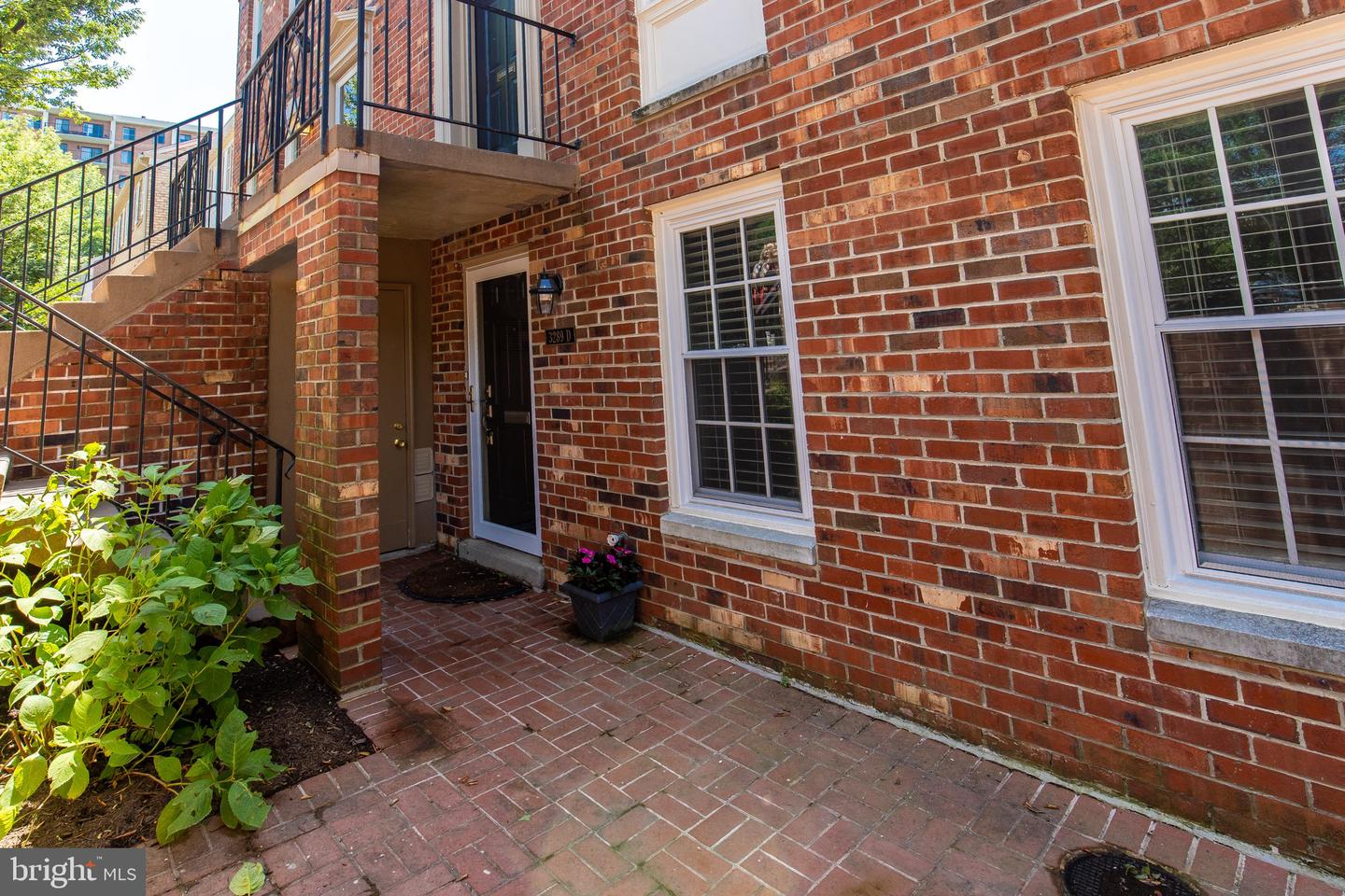 3289 Sutton Place NW  - Washington, District Of Columbia 20016