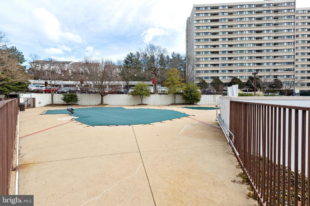 Photo of 6101 Edsall Rd #1509